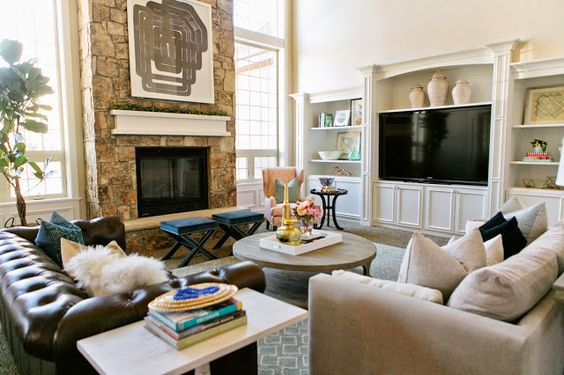 Effective Living Room Layouts for your Fireplace and TV