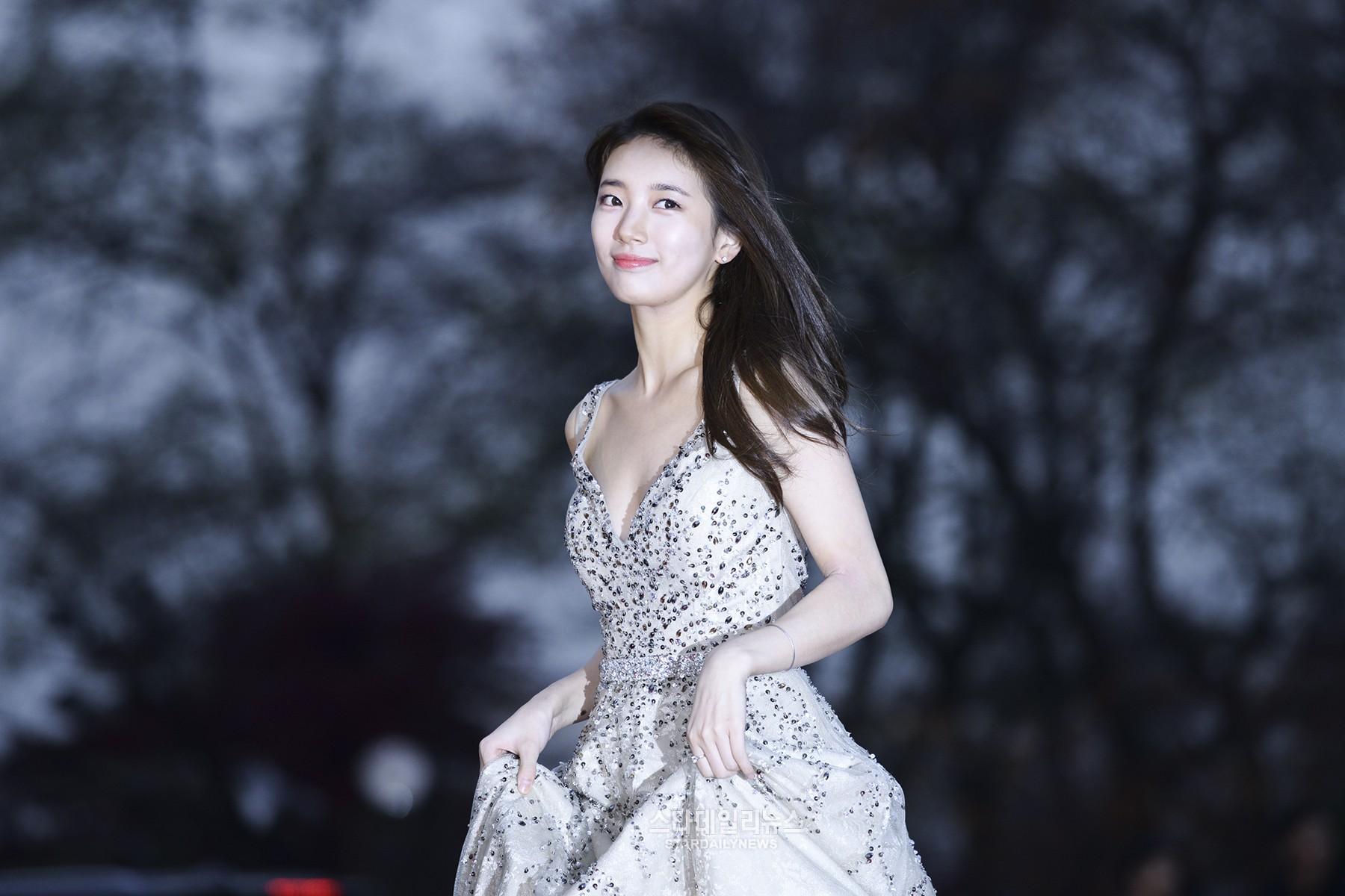 Dynamic Girl Wallpaper K Pop And K Drama Stars Shine At 2016 Asia Artist Awards