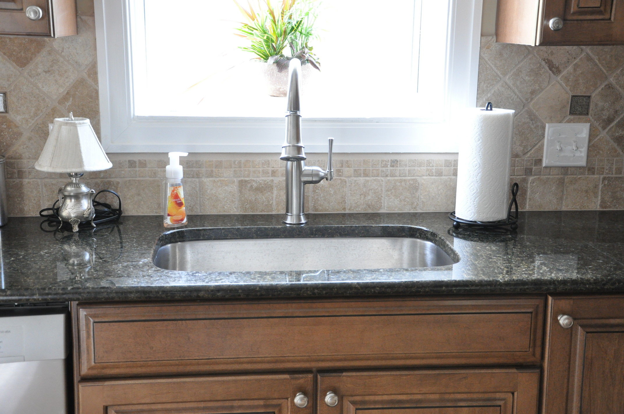 Backsplash With Uba Tuba Granite Countertop Kitchen Granite Countertops Cityrock Countertops Inc