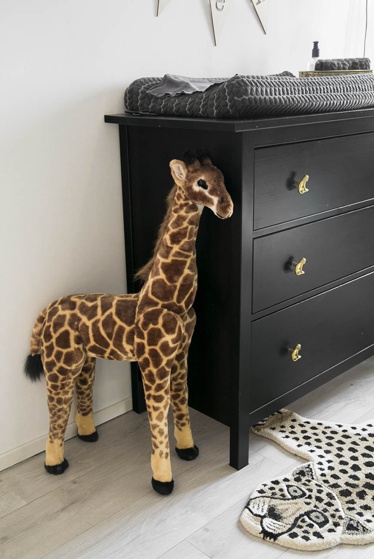 Commode En Kast Babykamer De Babykamer Vol Jungle Behang Van Amanda - Interior Junkie