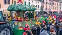 41 Carnevale Chiampese: doppia sfilata dei carri ...