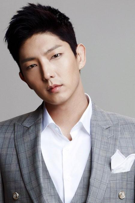 Wallpaper Song Joong Ki Cute Interview With Lee Jun Ki Girlfriend Shouldn T I Say