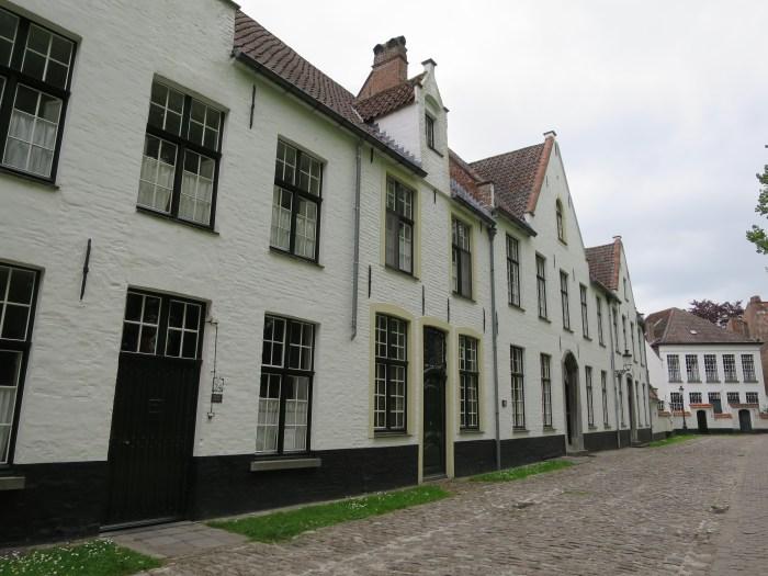 Visiter Bruges fauteuil roulant Beguinage