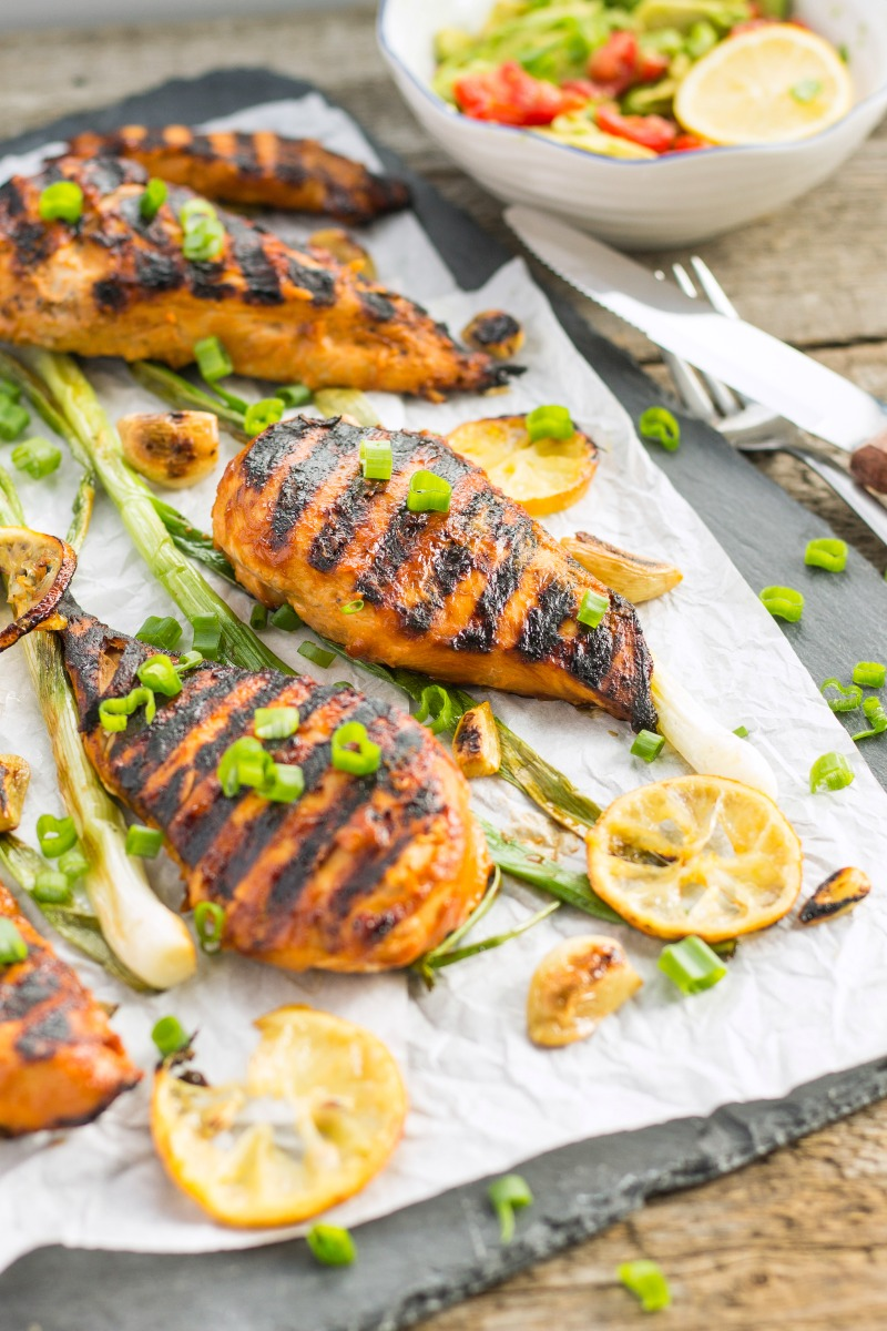 Lemon garlic bbq chicken recipe 1000 lovely things for What sides go with barbecue chicken