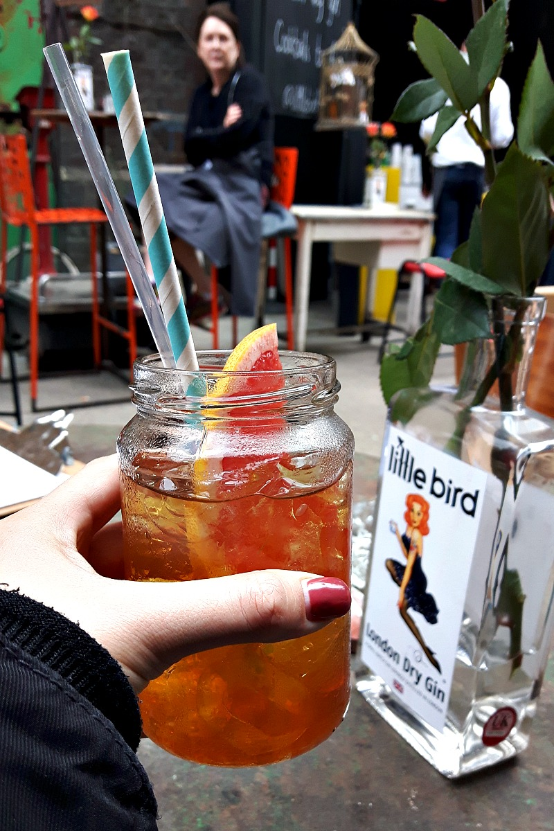 Maltby Street Market is one of the best places to embrace the inner foodie, fill your bellies with fantastic food and enjoy an authentic,chill London vibe.