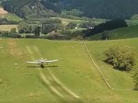 プロフェッショナルの仕事。着陸してから補給~離陸までを1分以内に終えてしまう飛行機。