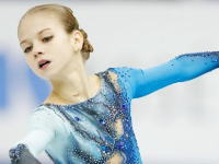 世界Jrフィギュア動画。ロシアのトルソワが女子史上初2種類の4回転ジャンプを決める。