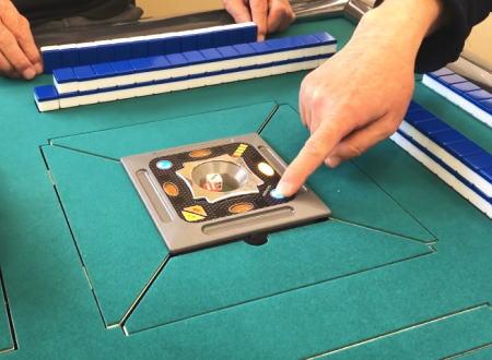 一瞬違和感。最新の全自動麻雀卓はここまで進化していた。レックス2