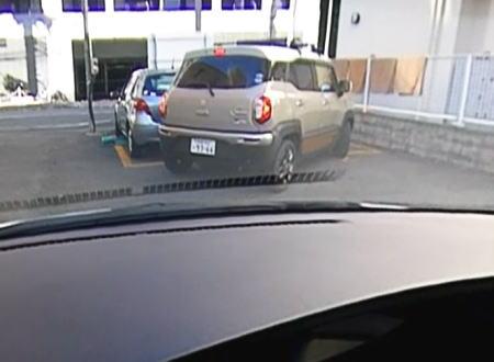 えええ(驚)これはひどい。コインパーキングでパニックになった車がwwwww