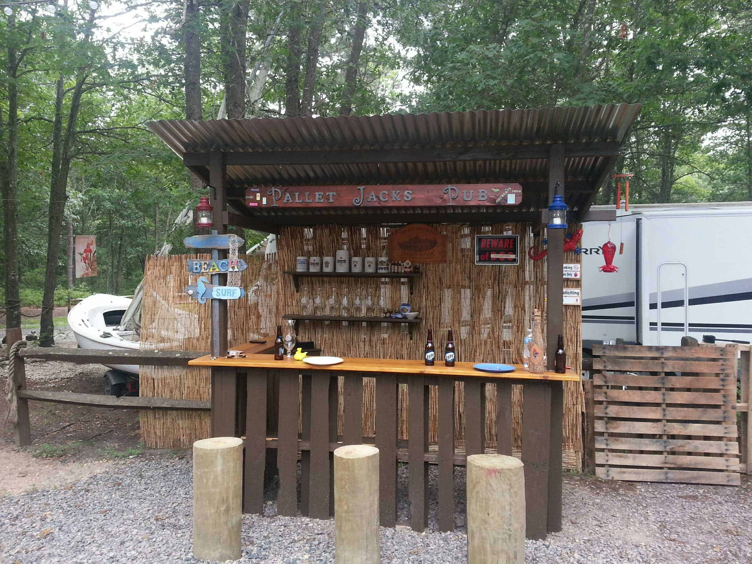 Home Depot Kitchen Island Lighting Outdoor Tiki Bar Made With Repurposed Pallets • Pallet