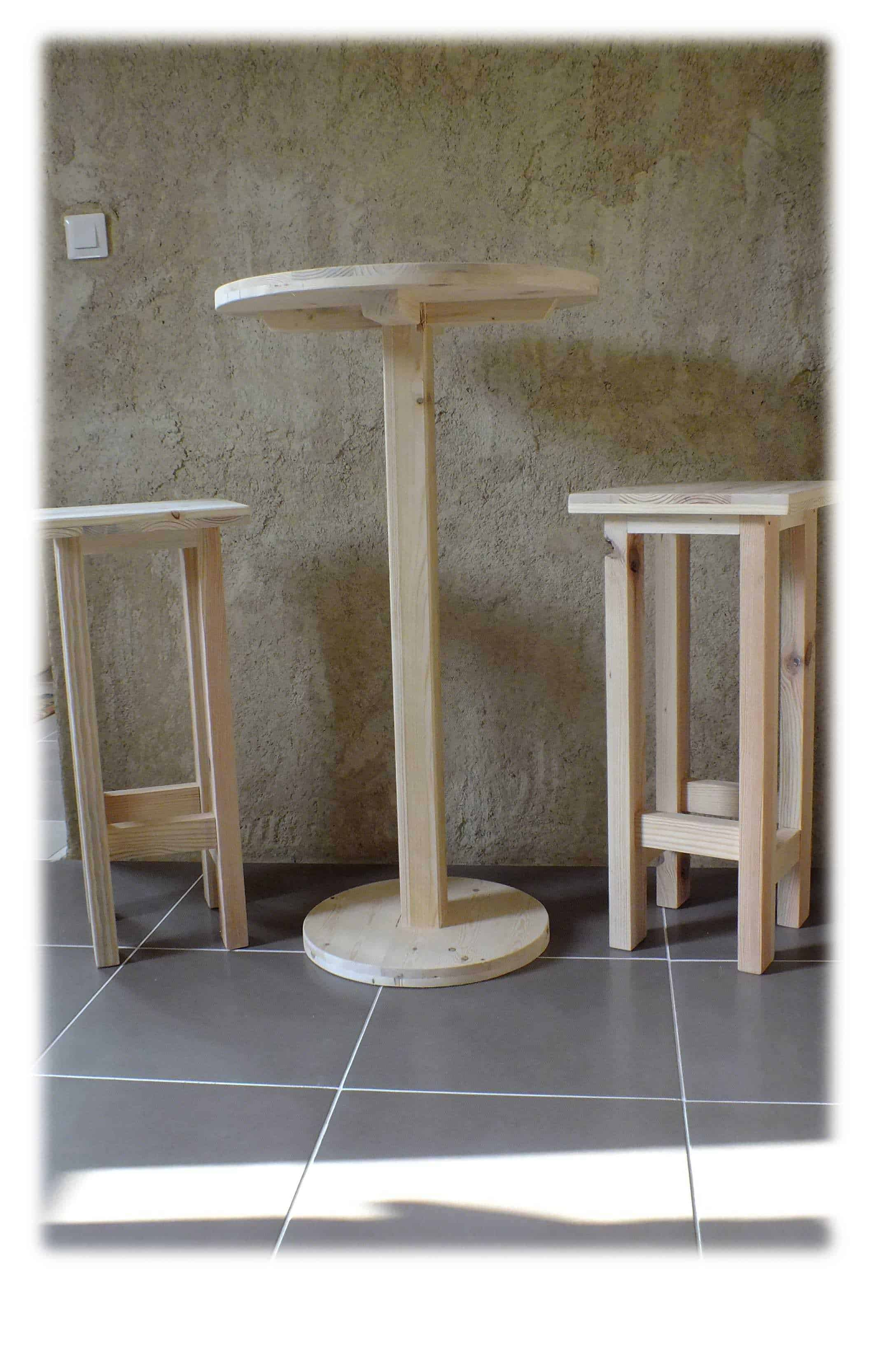 Table Haute Bar Avec Tabourets Table Haute Et Ses 2 Tabourets Pallet Bar Table Stools 1001