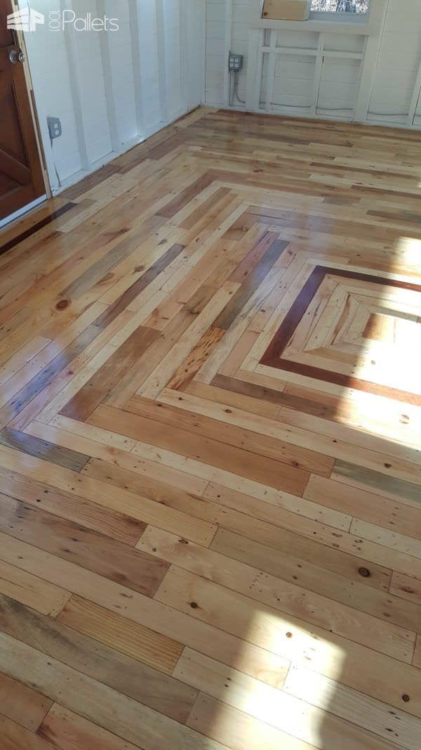 How Many Coats Of Polyurethane On Wood Floors Pallet Floor In My Outback Cottage • 1001 Pallets