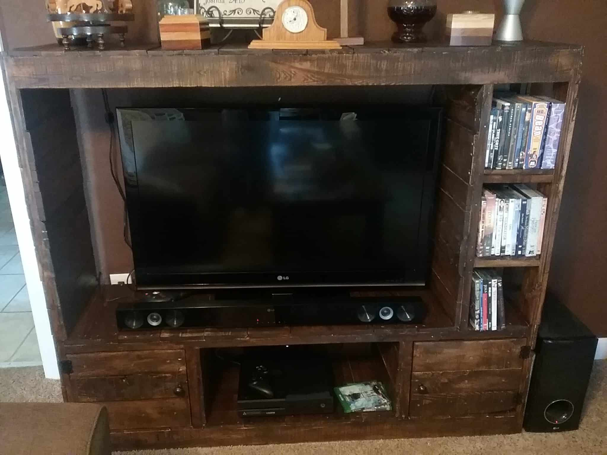 Diy Small Entertainment Center Diy Tv Stand Ideas And Tips From 1001pallets