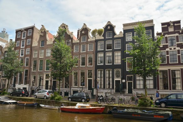 If you plan to visit Amsterdam in the near future, here is a list of 10 awesome things that you should do during your weekend or short stay in Amsterdam.