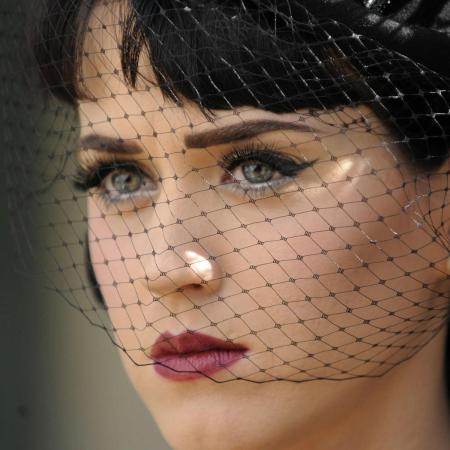 katy-perry-close-look-wallpaper