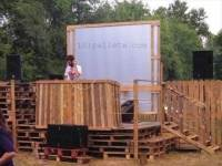 DJ Pallet Stage Garden Party | 101 Pallets
