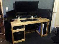 DIY Computer Desk Out of Pallets