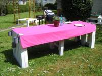 Pallet Garden Dining table with Stools | 101 Pallets