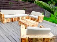 Pallet Furniture {Build a Patio with Pallets} | 101 Pallets