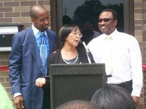 Board Member Bernice Mayes speaking at the dedication.