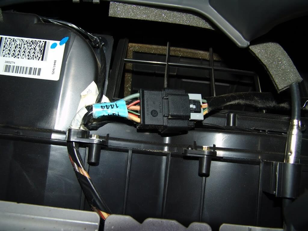 2003 chevy aveo wiring diagram with 2005 Chevrolet Colorado Blower Only on Ford Bantam Fuse Box Diagram in addition Watch in addition Nissan Oxygen Sensor Wiring as well 2017 Chevy 2500hd Trailer Wiring Diagram besides T2395 Kia Spectra My Fuel Pump Is Not Getting Power.