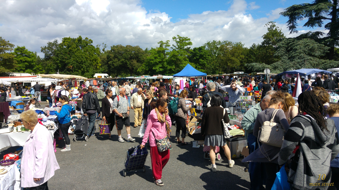 Brocante Cours De Vincennes Shopping Du Week End Au Vide Grenier Du Parc Du Tremblay
