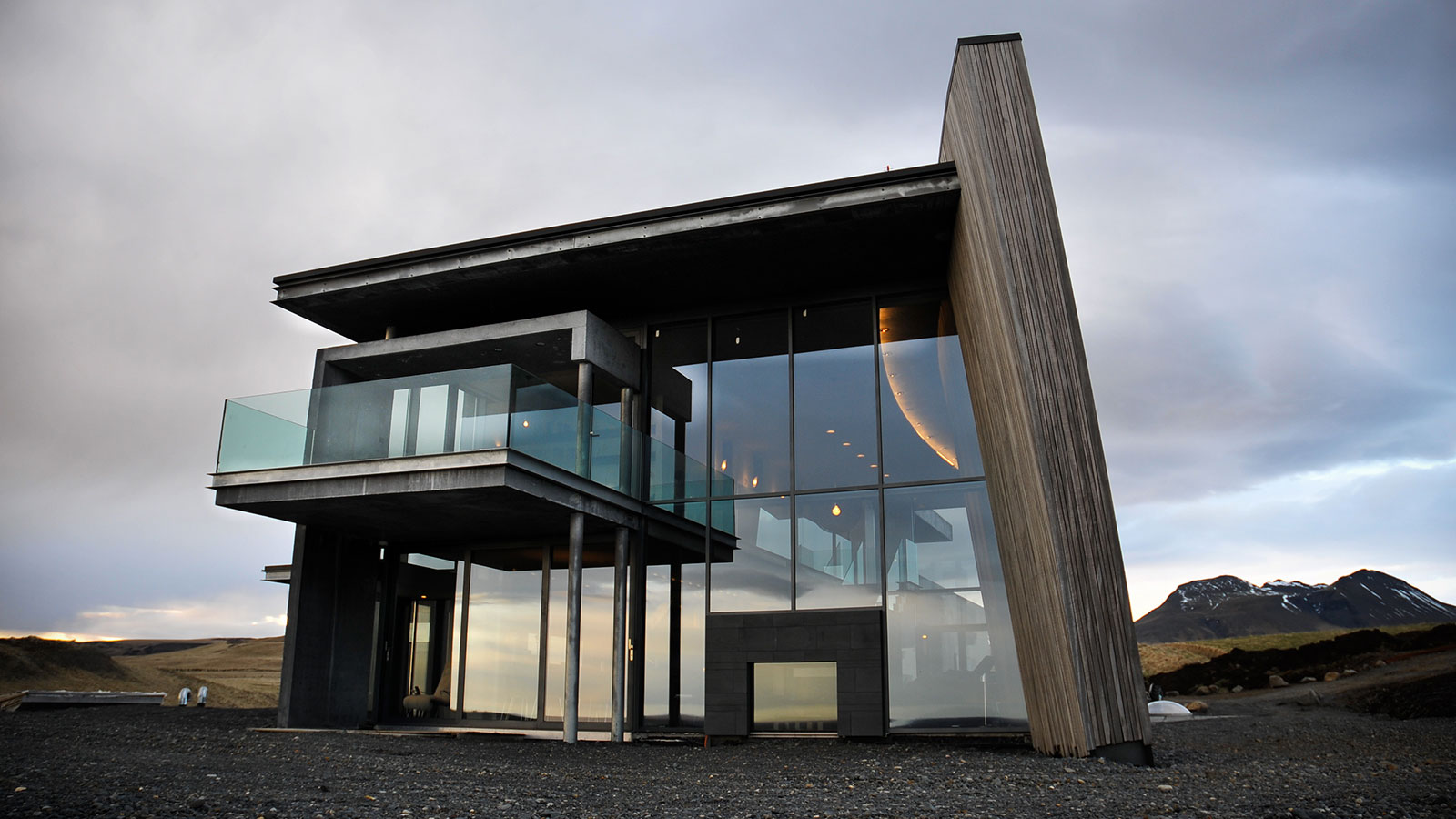 G House Casa G Modern Vacation House In Iceland Modern Vacation House