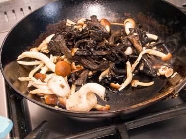 Pompoen gevuld met paddenstoelen risotto-44