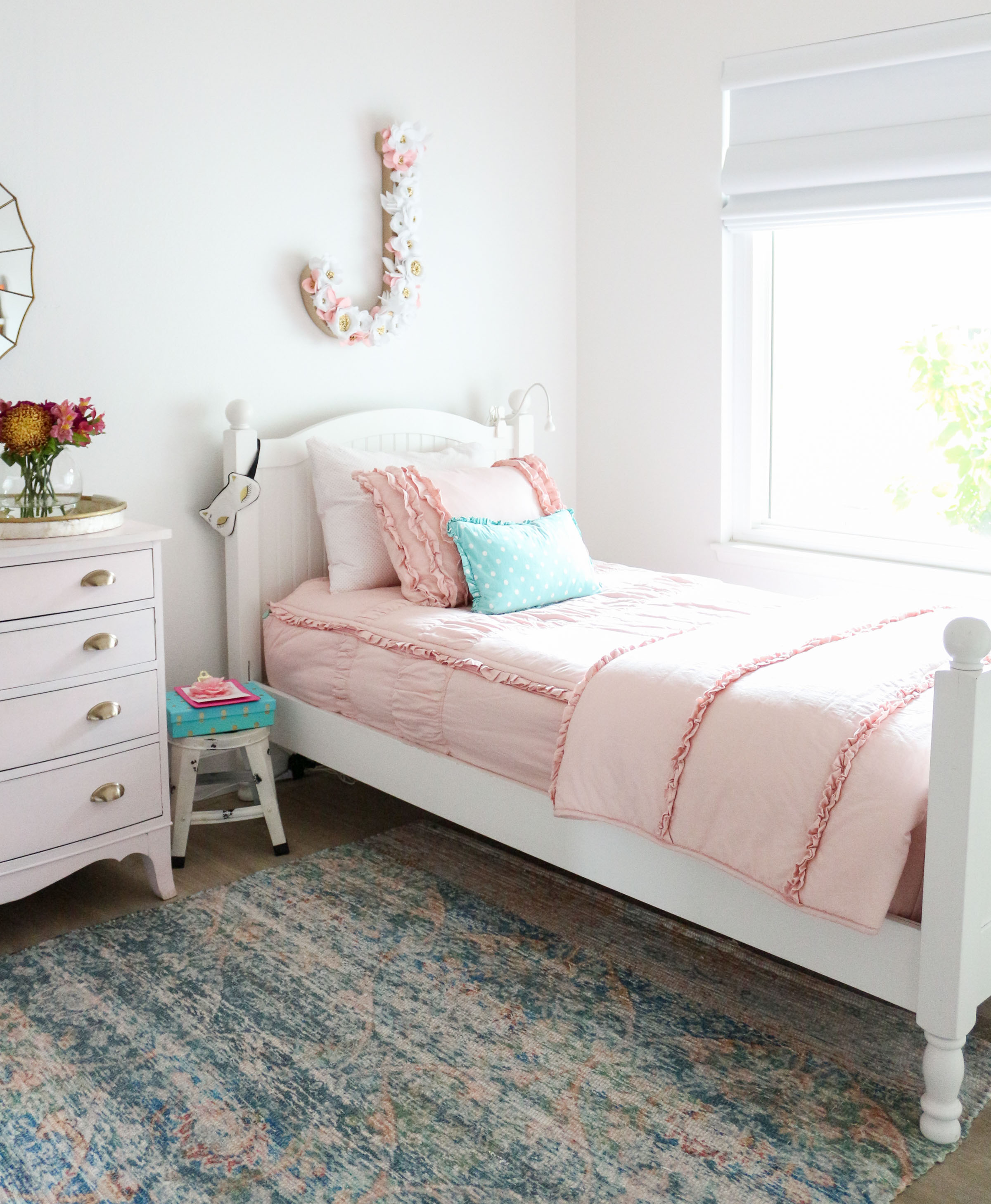Schlafzimmer Modern Pink Girls Shared Bedroom Why We Love Our Blush Pink Ruffle