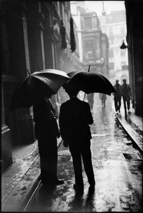 Cute Couples Holding Hands Hd Wallpapers Henri Cartier Bresson Inspiration From Masters Of