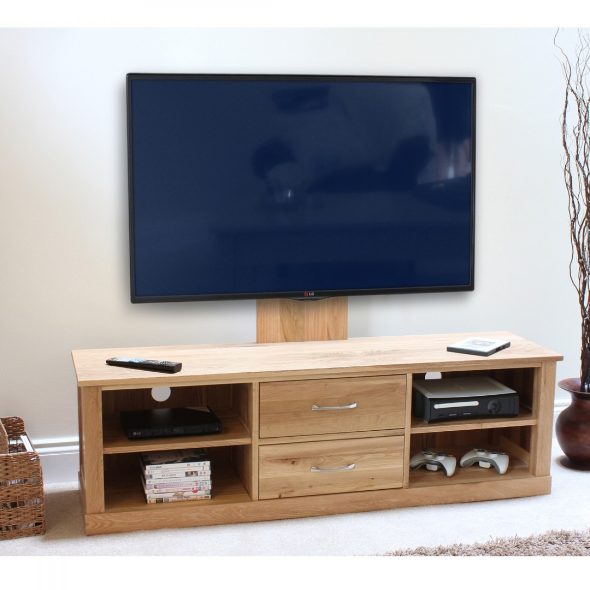 Mobel Tv Baumhaus Mobel Solid Oak Mounted Widescreen Tv Cabinet Cor09e