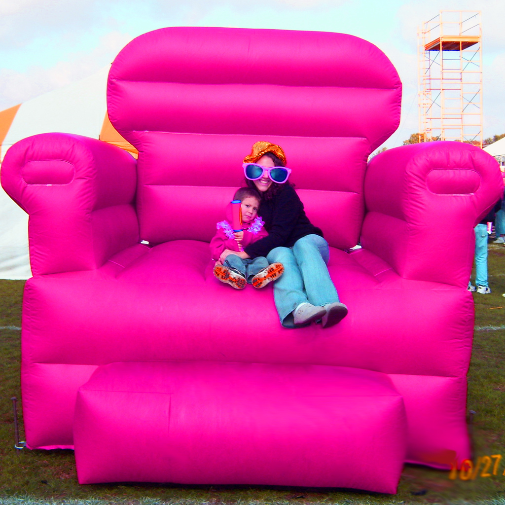 Big Inflatable Couch Big Pink Chair Inflated Photo Attraction Record A Hit