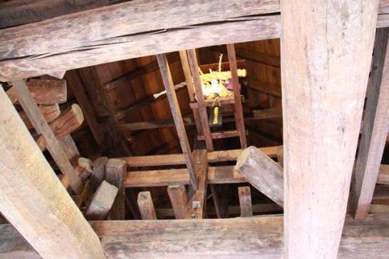 松本城の天守閣のてっぺんにある「社」、今まで気がつきませんでした。