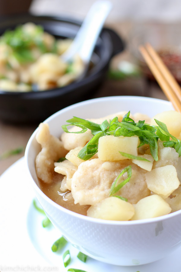 Follow this easy recipe to make delicious one-pot hand torn noodle potato soup (Sujebi)!! |www.kimchichick.com