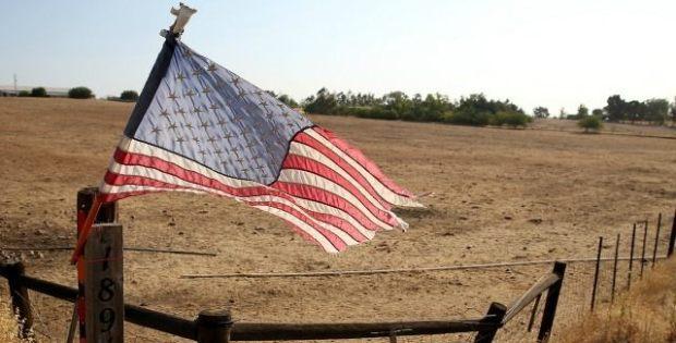 California-American-flag-Getty