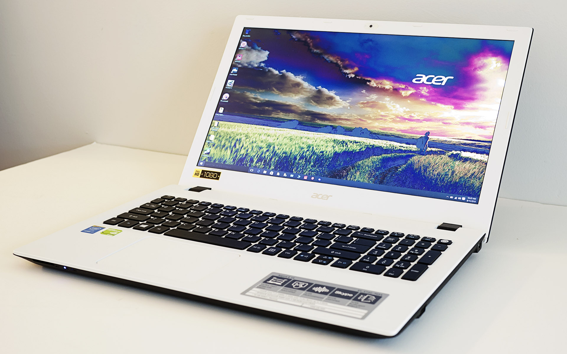 Acer Aspire Es 15 Acer Aspire E 15 Review One Step Forward Two Steps Back
