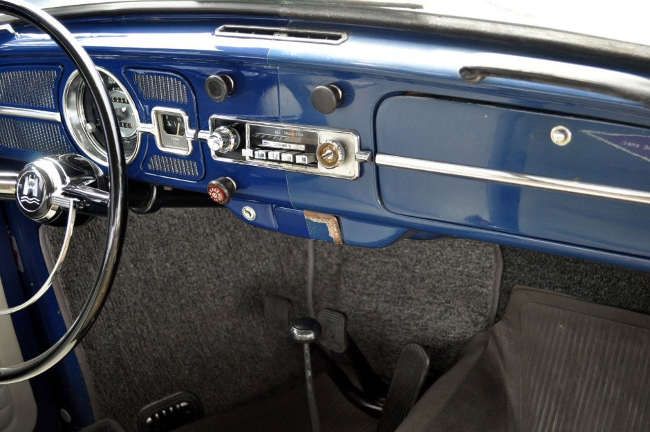 L633 VW Blue '67 Beetle