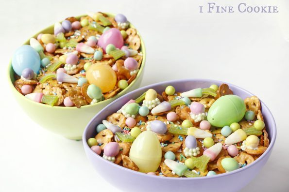 Bunny food mix, bunny, food, snack, mix, easter, ideas, pretzel, eggs, chocolate, cadbury, carrot, candy, chex, cute, candy corn, pastels, sprinkles, easy, chocolate, recipe