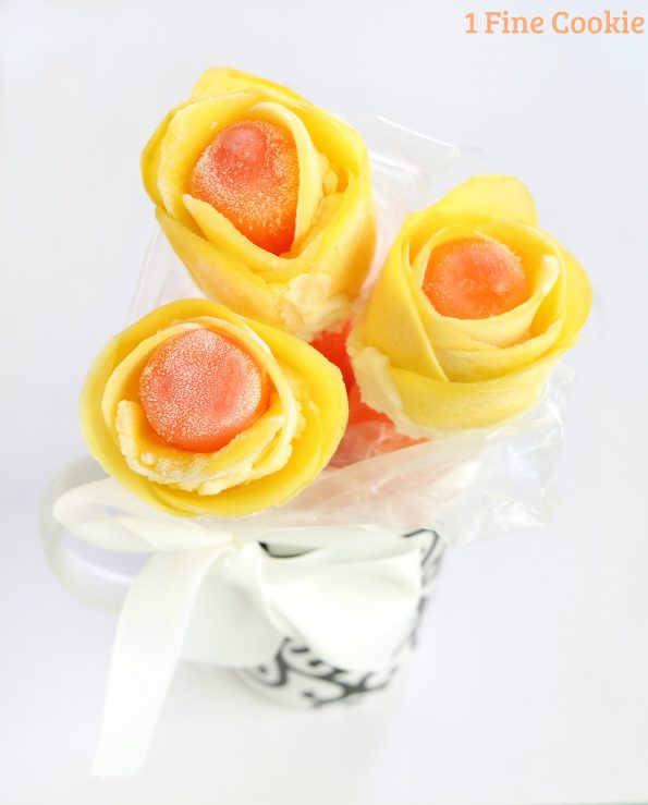 frozen flower popsicles , flower, popsicles, mothers, day, mother's, mango, frozen, cute, idea, recipe, orange, fruit, petals, diy, bouquet,