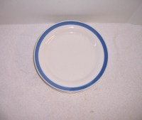 Triple A Resale 4 Blue and White Stoneware Dinner Plates