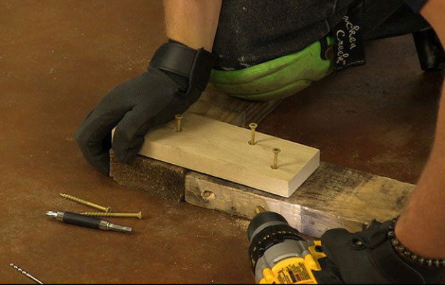 Screw in an Angle   Build A Homemade Pallet Smoker