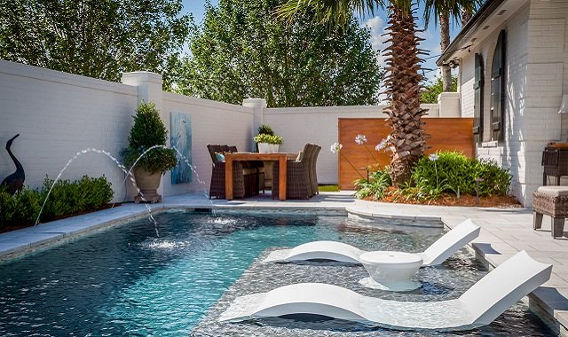 33 Backyard Ideas to Enhance Your Swimming Pool Area