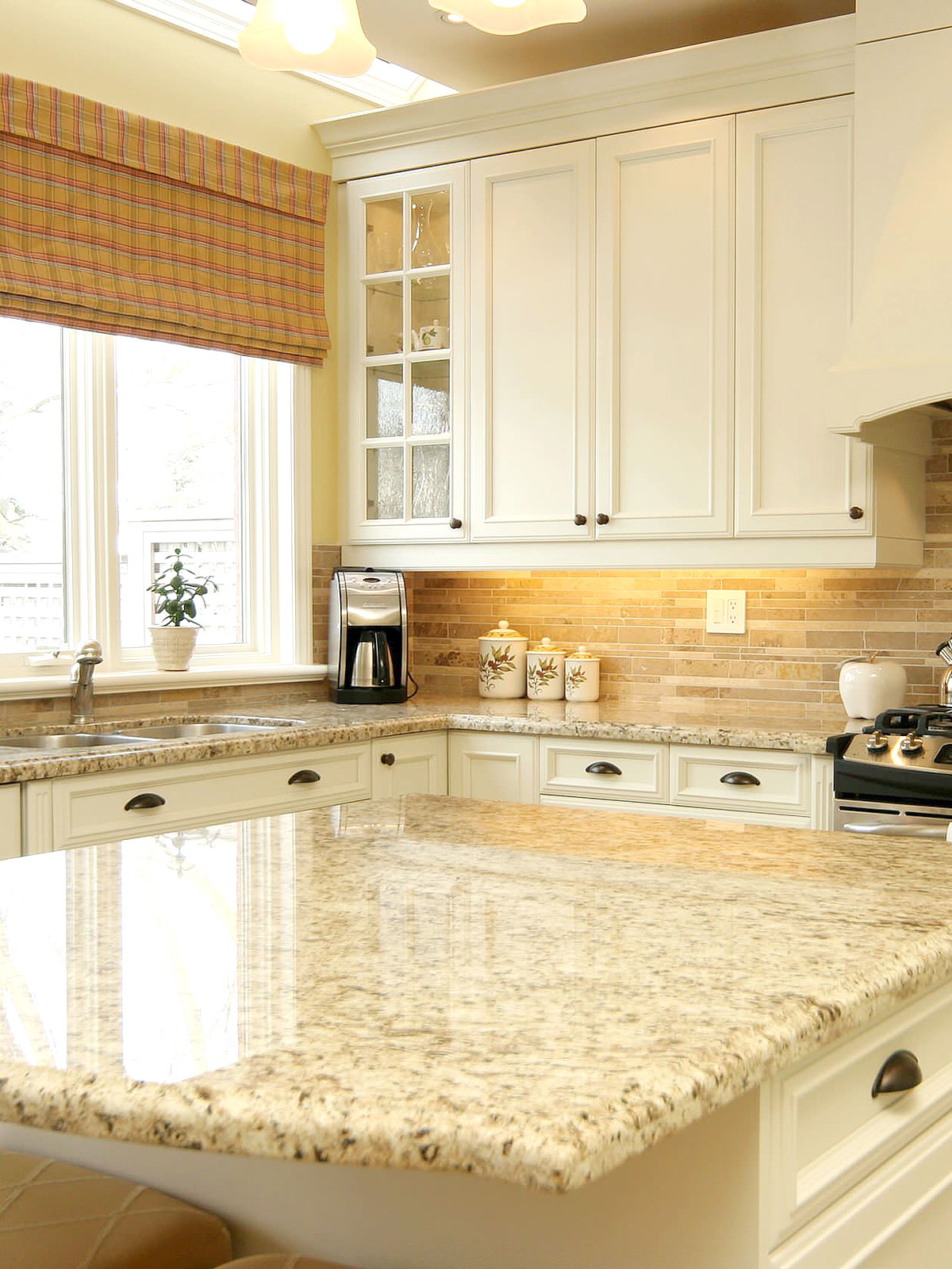 55 Beige Backsplash Ideas Don T Mistake Beige For Being Boring