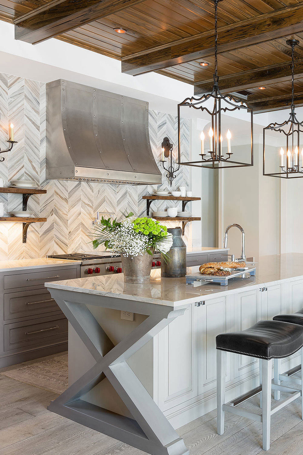 The Marble Textured Chevron Backsplash Compliments The Cabinets And Appliances The Wooden Shelves And Ceiling Bring A Cozy Vibe Into The Kitchen Backsplash Com