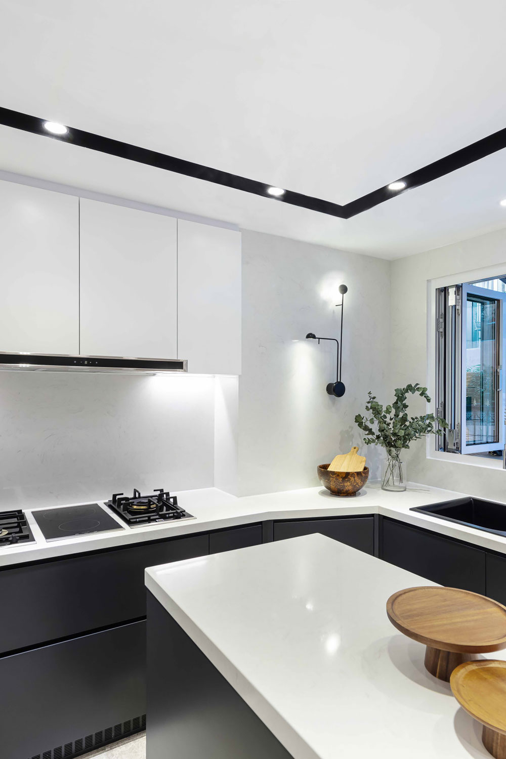 56 Black And White Kitchen Timeless Look Monochrome Kitchens