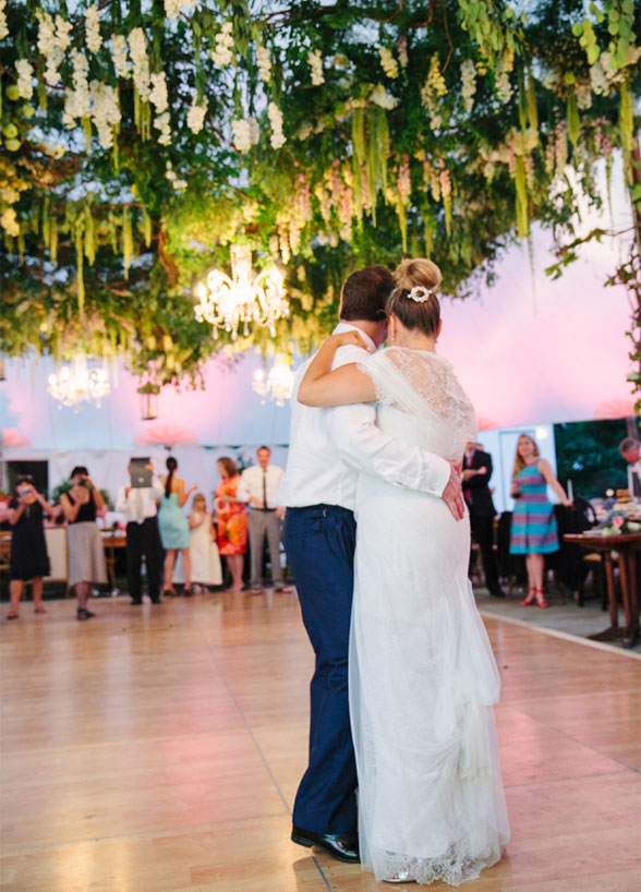 How To Throw The Ultimate Garden Wedding
