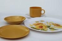 Vintage melmac dinnerware set for 4, 70s retro gold ...