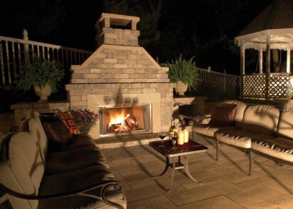 Using Natural Stone In An Outdoor Fireplace And Fire Pit