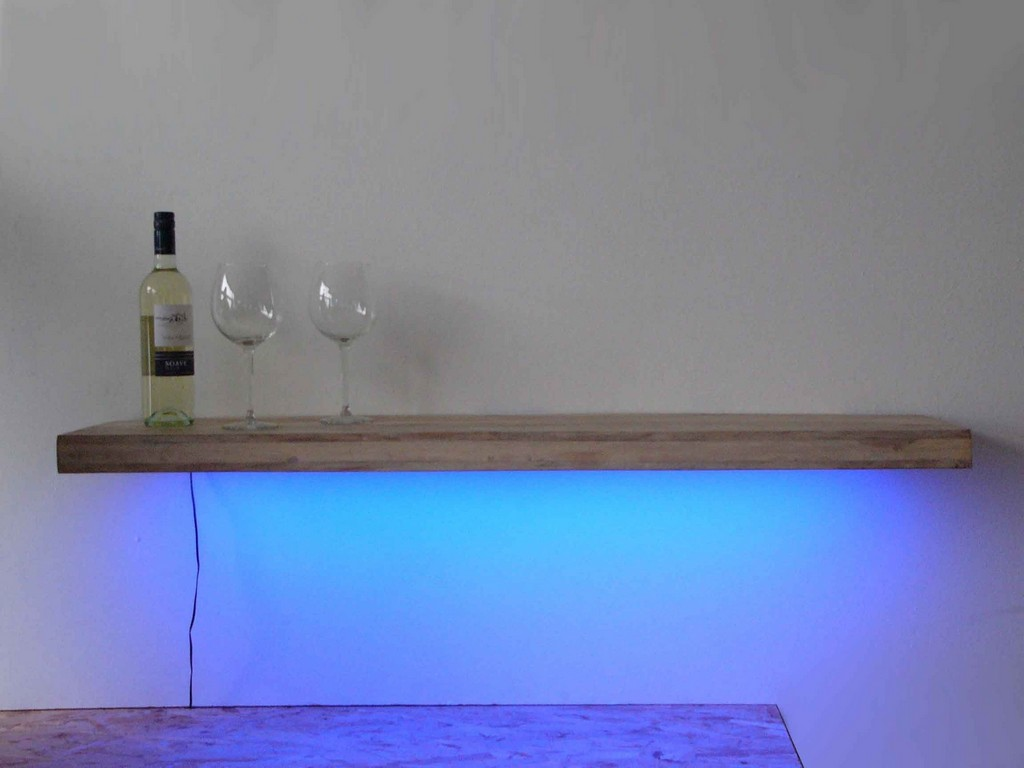 Glasregal Mit Led Wandregal Mit Led Beleuchtung Haus Ideen