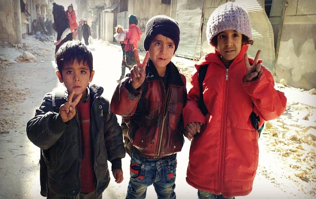 ALEPPO UPDATES: Tears, Hugs and Smiles, the Relief of Escaping Imprisonment in East Aleppo